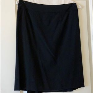 Ann Taylor perfect suiting black skirt